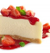 עוגת גבינה ללא אפיה, ברוטב תותים